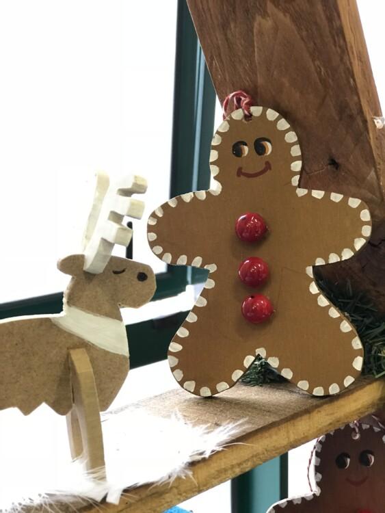 gingerbread man n reindeer 2018 christmas